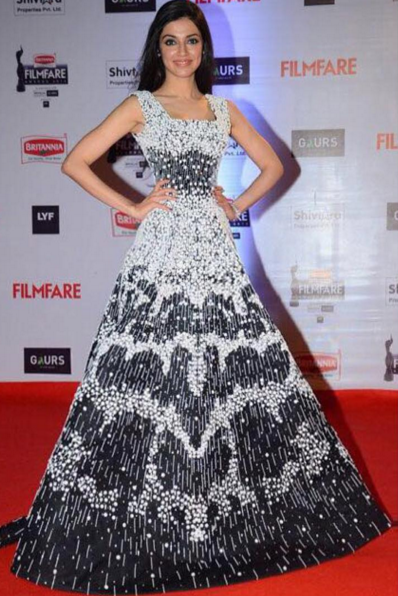 Bollywood Beauty Stuns On The Red Carpet The Bollywood Actress Producer And Director Divya Khosla Kumar Chose Ramika Gowns Embroidered Gown Perfect Dress