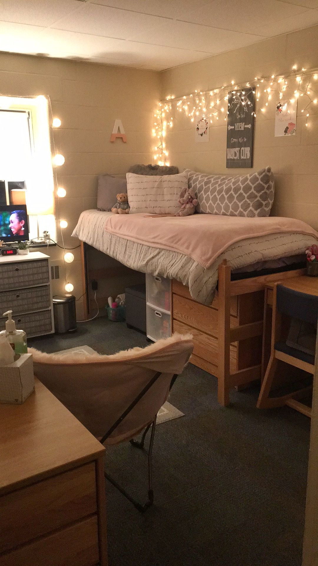 College Dorm Room Design: Hood College Freshman Dorm Room