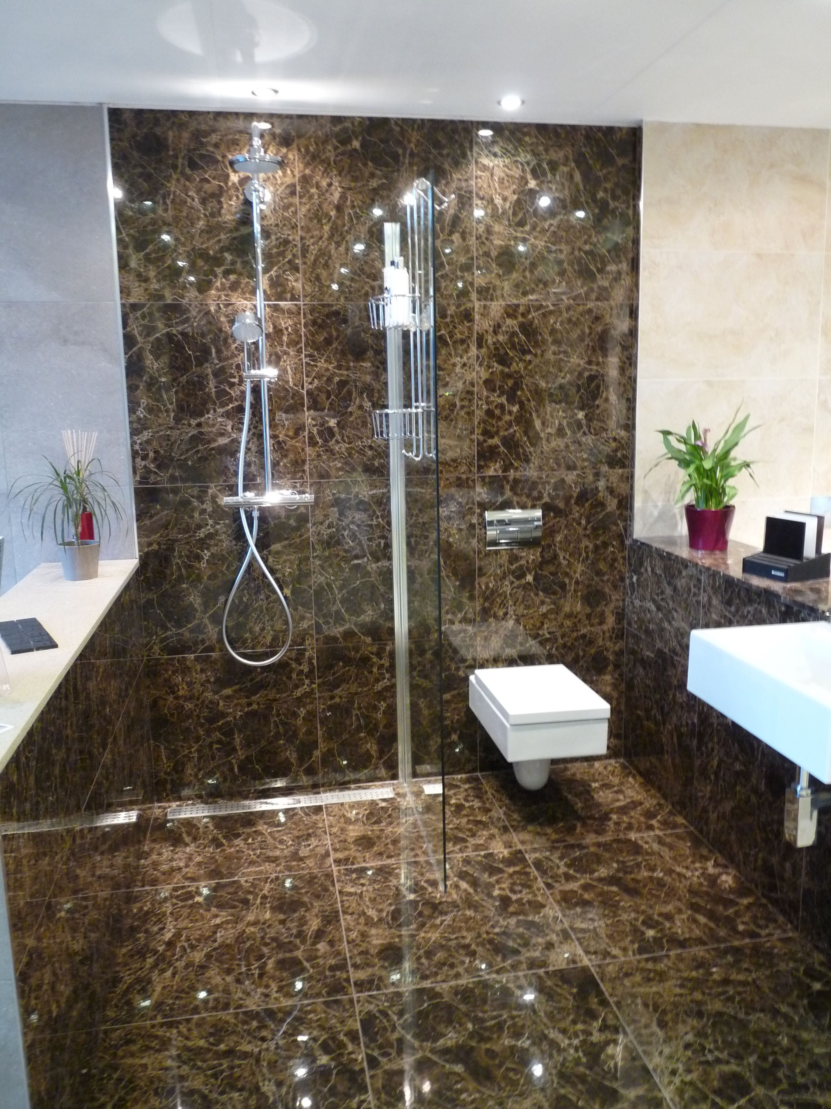 The Bathroom Boutique Grohe Shower System Merlyn Wet Room Drain And Screen Verso