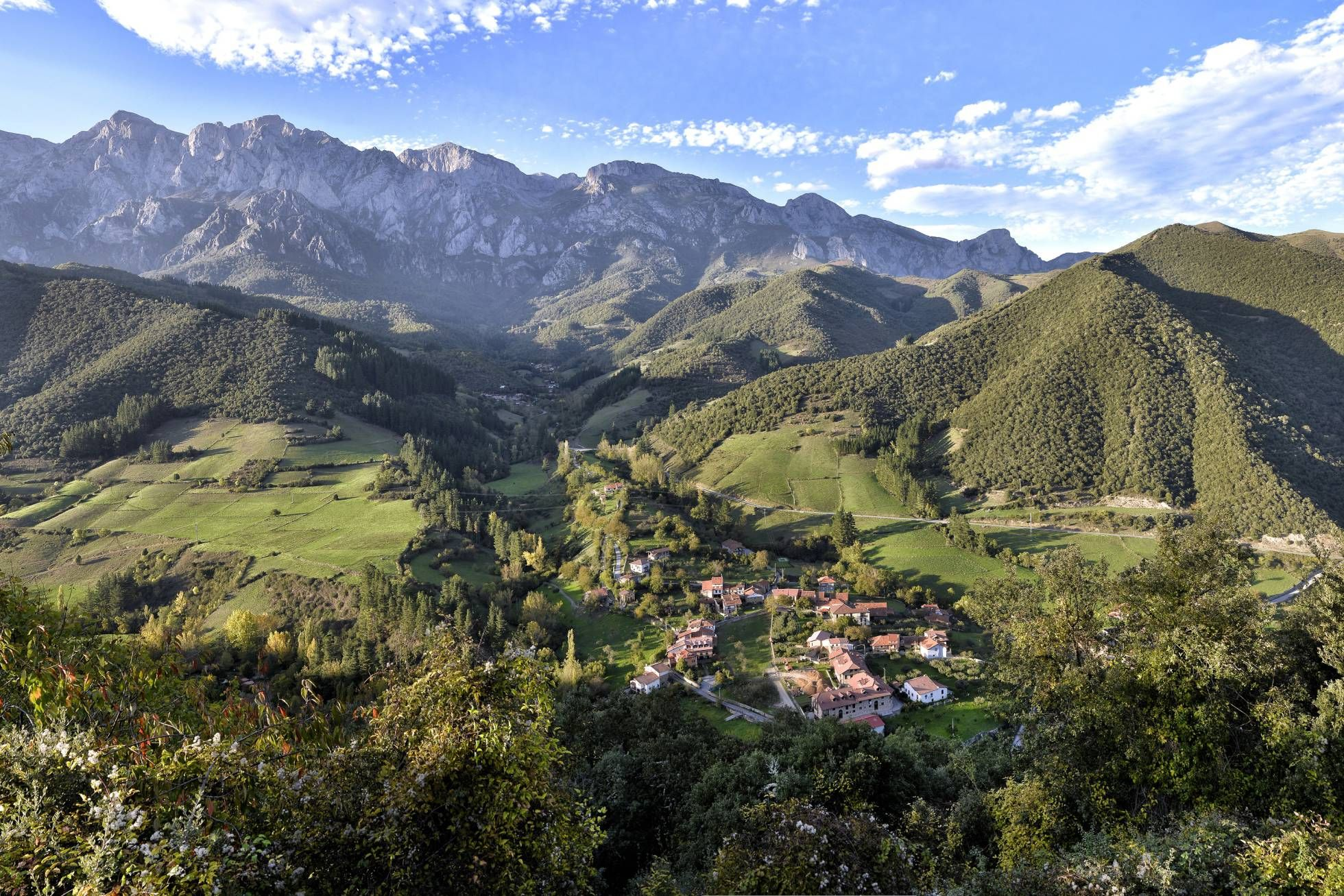 Fotos 20 Maravillas Que No Te Puedes Perder En Cantabria Paisaje De Montaña El Viajero El Pais Picos De Europa