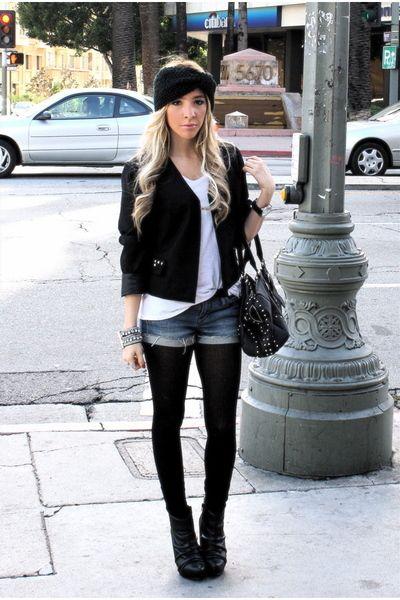 Porter un mini short en jean en automne   collants opaques noirs ... d475985ae14