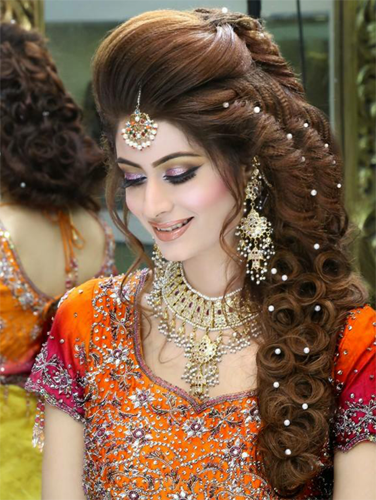 25 Simple And Latest Hairstyles For Lehenga Images In 2019 Buy Lehenga Choli Online Mehndi Hairstyles Hair Styles Indian Hairstyles