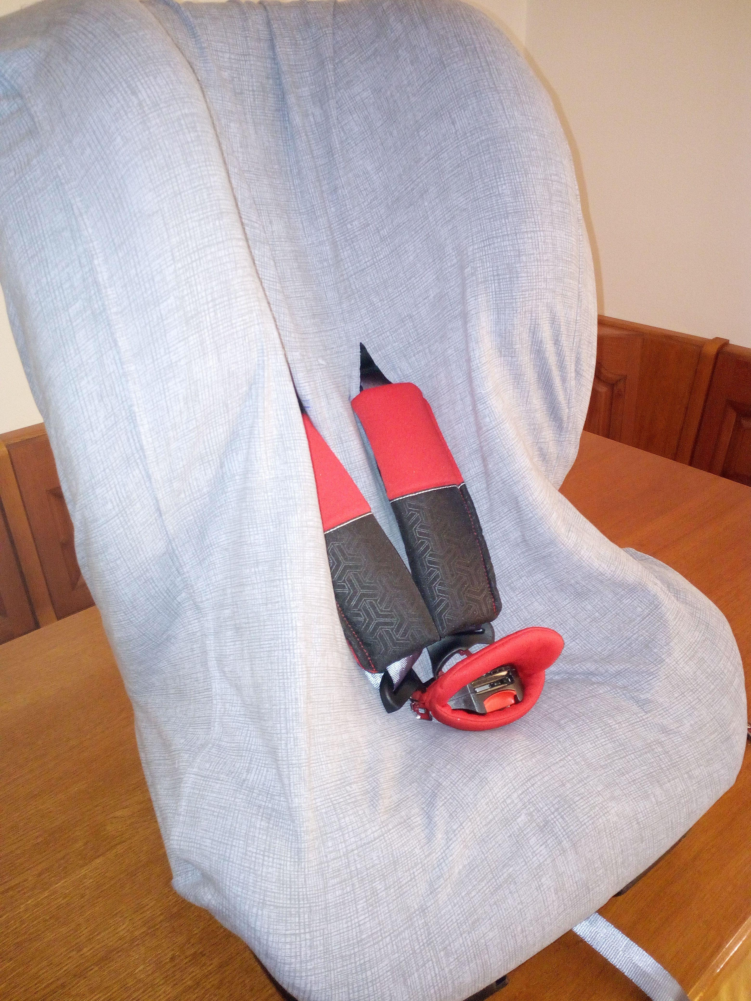Copri seggiolone auto fai da te utilizzando un copri cuscino da ...
