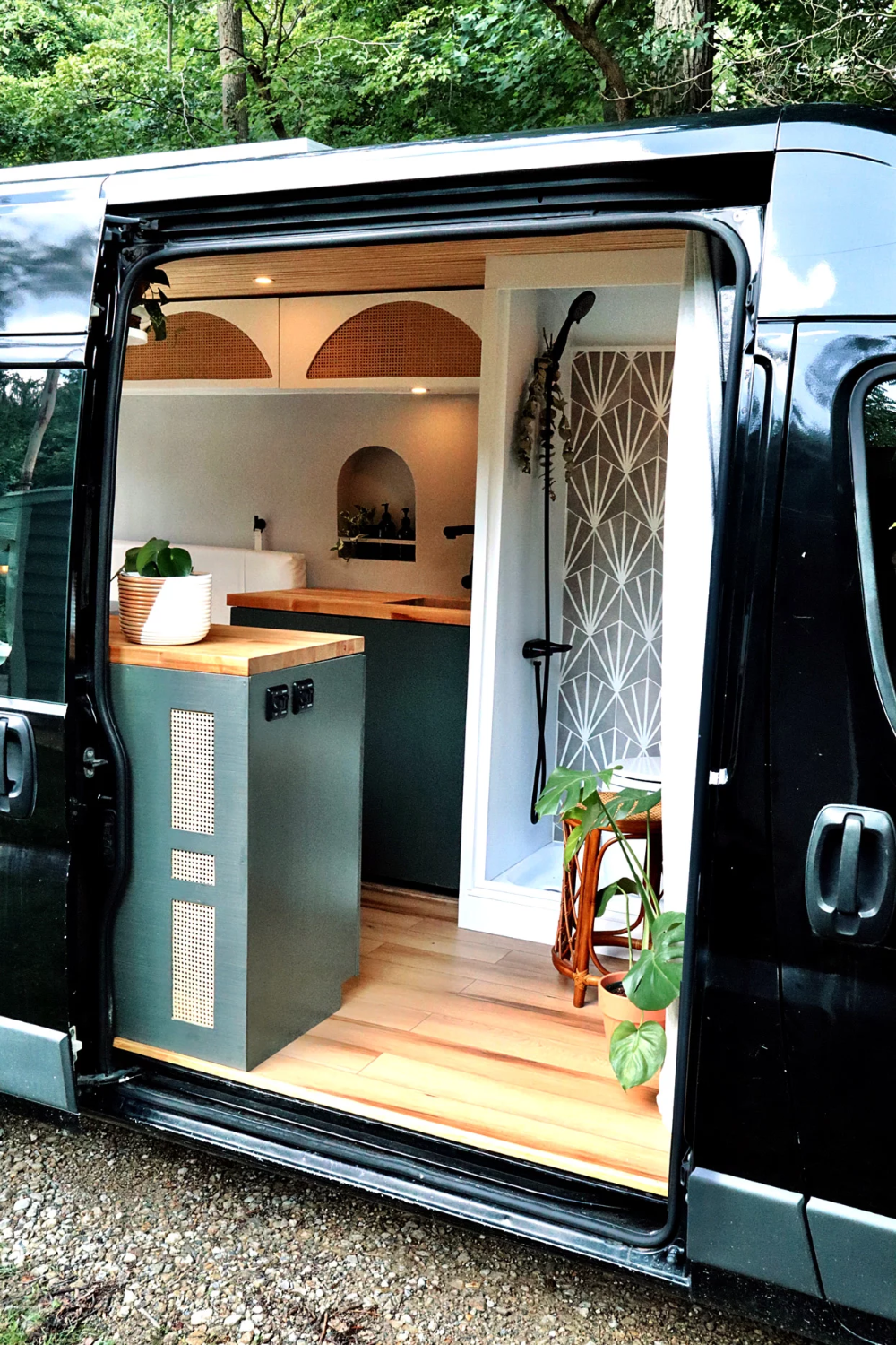 Photo of This Incredible Van Makeover Features Clever DIYs You Can Steal for Any Small Space