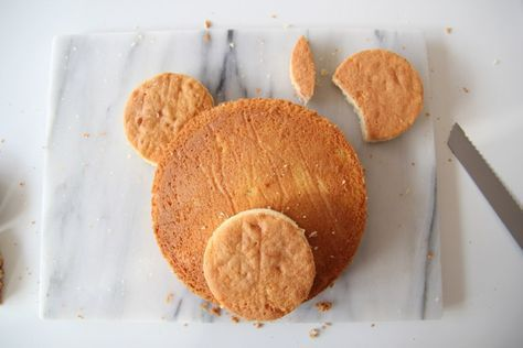 Incredibly Easy Teddy Bear Cake #teddybear