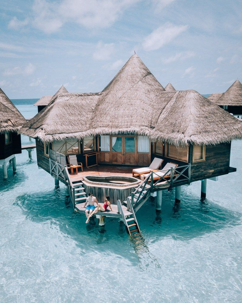 COCO RESORTS: SECLUDED ISLAND IN THE MALDIVES
