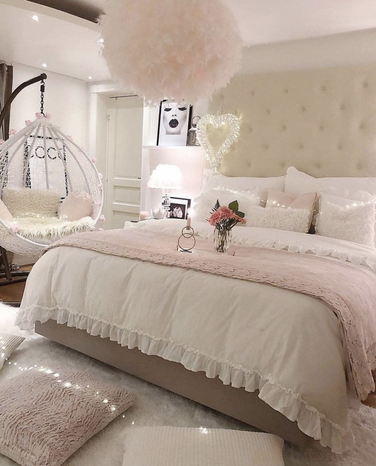 Pin By Yaima On Home Luxury Bedroom Sets Luxurious Bedrooms Bedroom Decor