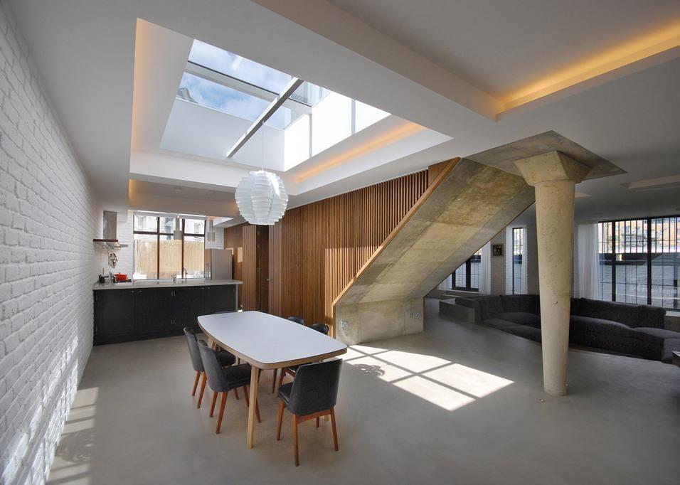 Open space in stile industriale a londra nel 2019 arredo for Scala in cemento armato a vista