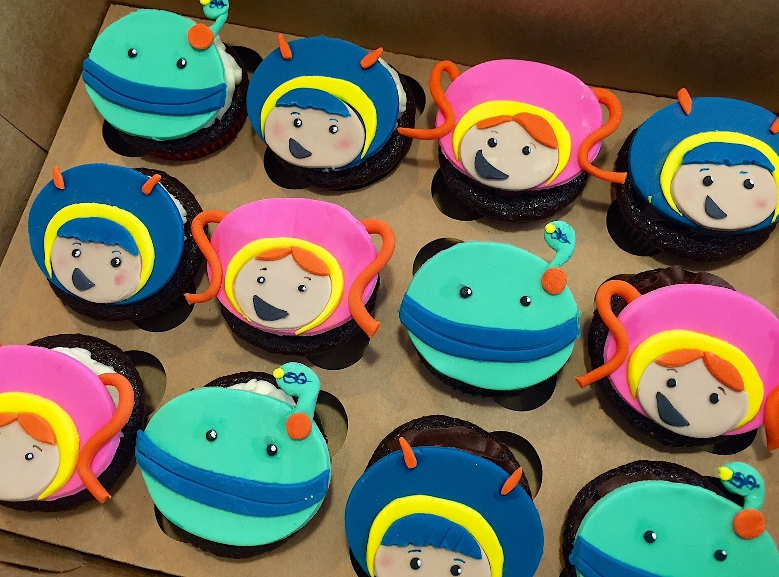 Amazing Nickjr Umizoomi Cupcakes Umizoomi Cupcakes Birthday Party Funny Birthday Cards Online Alyptdamsfinfo