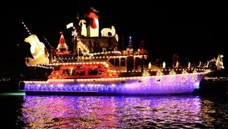 Pre Christmas Boat Parade Of Lights Cruises Newport Landing Chartered Boats Beach