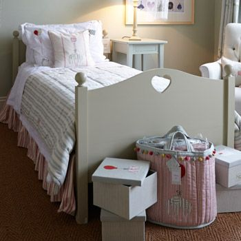 Wooden Single Bed is the perfectly elegant, comfortable and just right bed for your daughter - it's classical style will work for years and years...