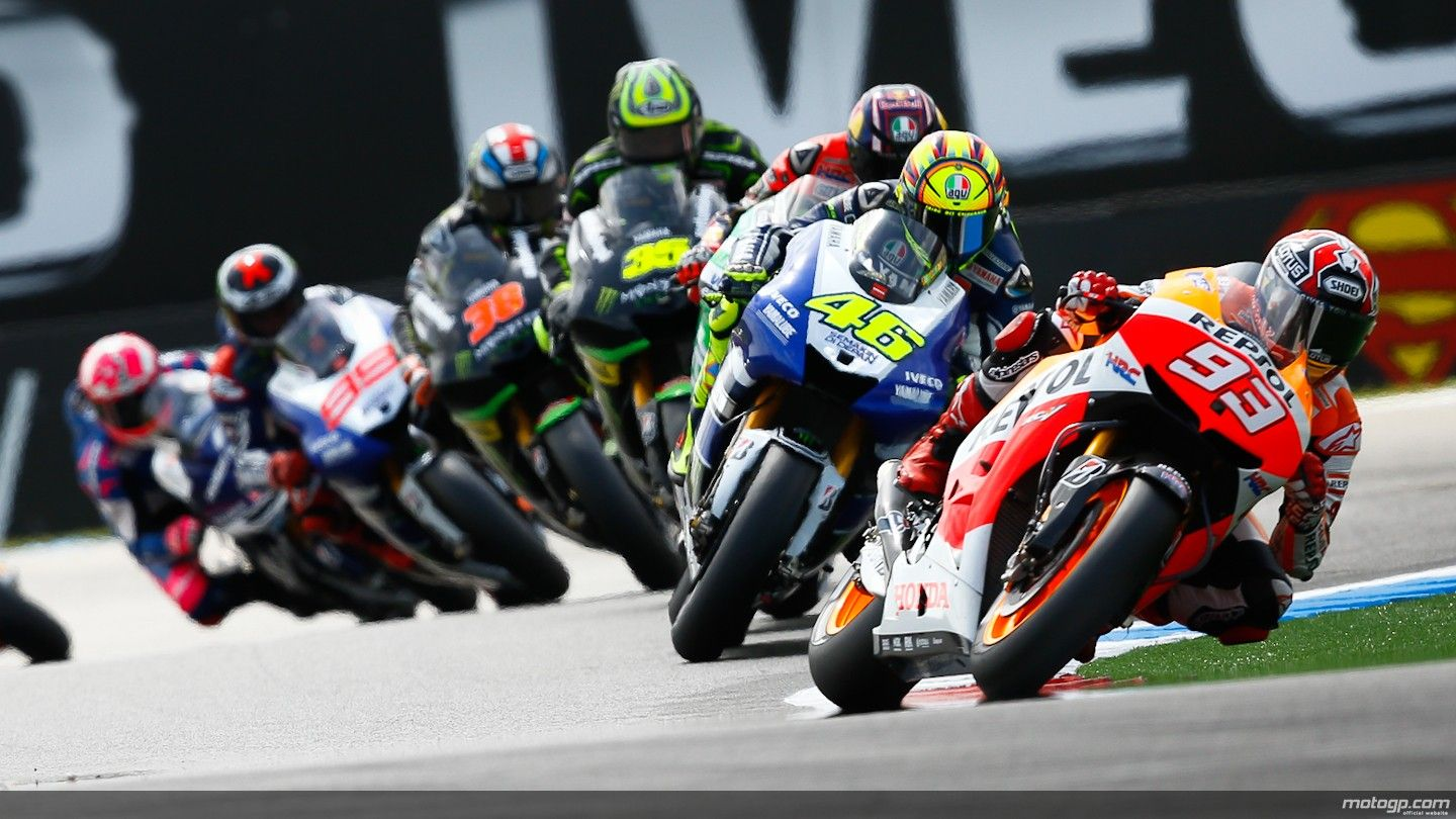 It S Like A Time Lapse Of Turning Motogp Racing Bikes Motorcycle
