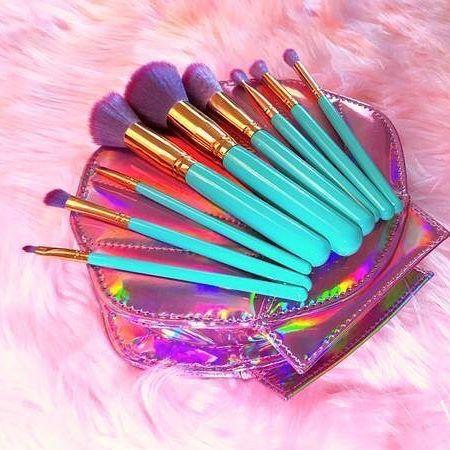 how cute is this mermaid makeup brush kit love 💕💕💕