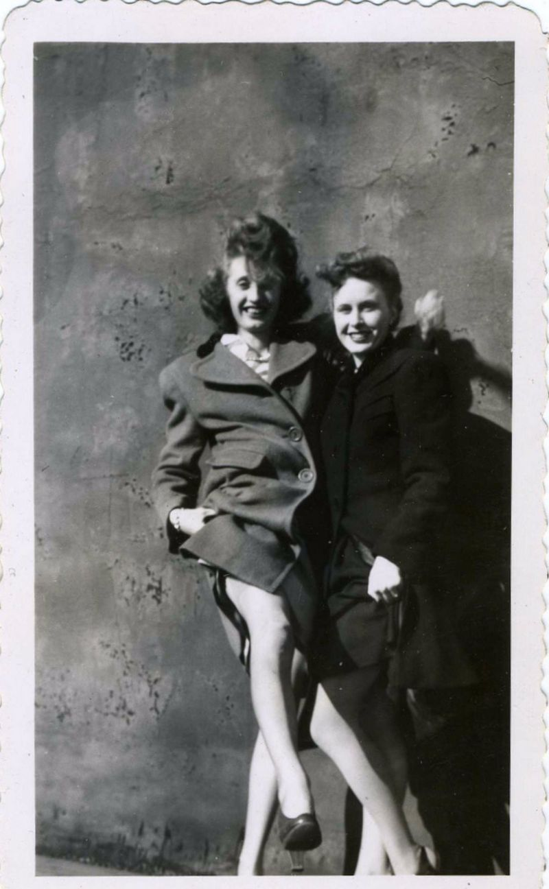 Seduction – 50 Hilarious Vintage Photographs of Women from ...