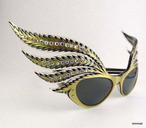 b521a2a447b 50s French vintage sunglasses with rhinestones and wings