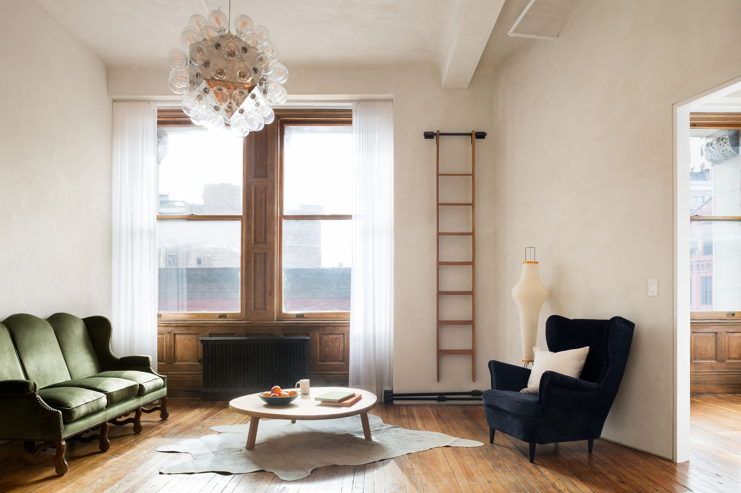 A Manhattan apartment renovation unearths historic charms | Crown ...