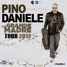 Pino Daniele - Il più ''nero'' dei cantautori italiani, con il suo inimitabile sound prevalentemente blues con accenni al rock mediterraneo che da sempre caratterizza la sua musica, riproporrà la storia della sua straordinaria carriera con i suoi celebri successi del pas...