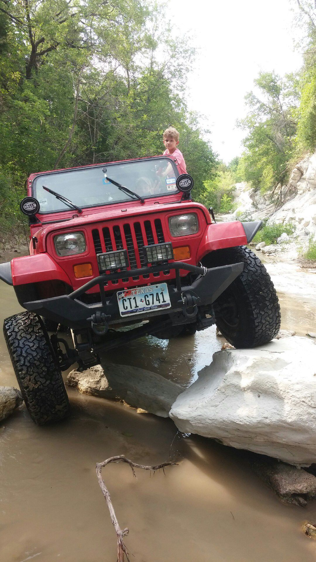 Flexing In A Jeep Wrangler It S A 1993 Yj Running 33 S With A 3