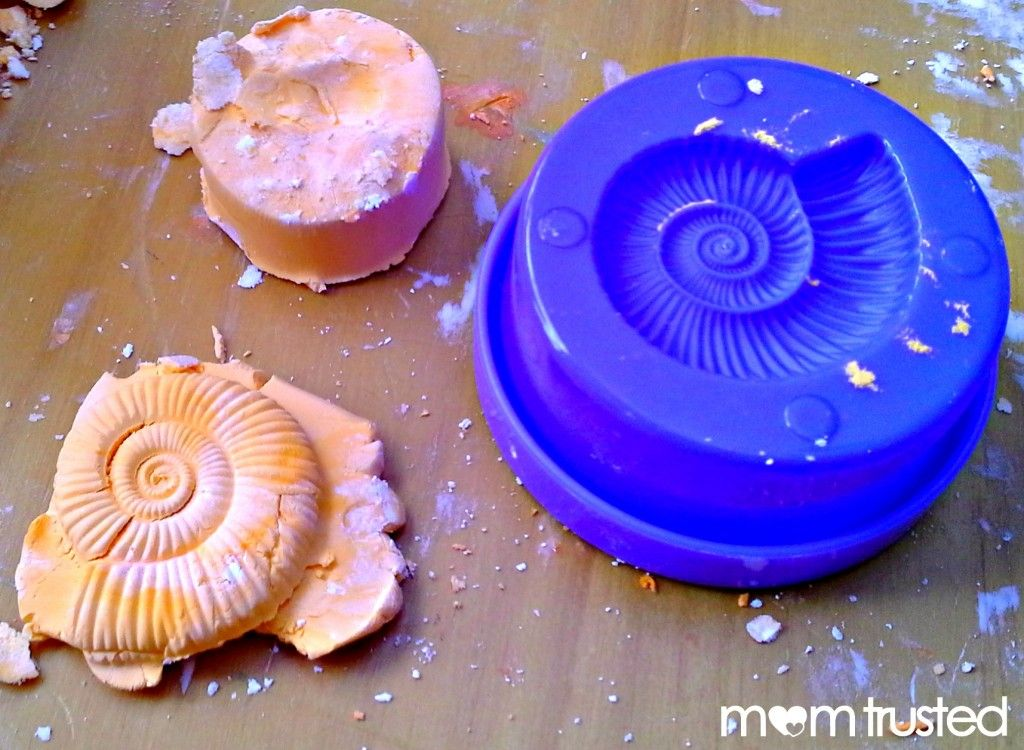 Foam Dough = Shaving Cream + Corn Starch photo