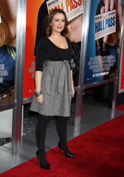 """Alyssa Milano Photos Photos - Celebrities attend the """"Hall Pass"""" Los Angeles premiere at the ArcLight Cinerama Dome in Hollywood. - """"Hall Pass"""" Los Angeles Premiere - Arrivals"""