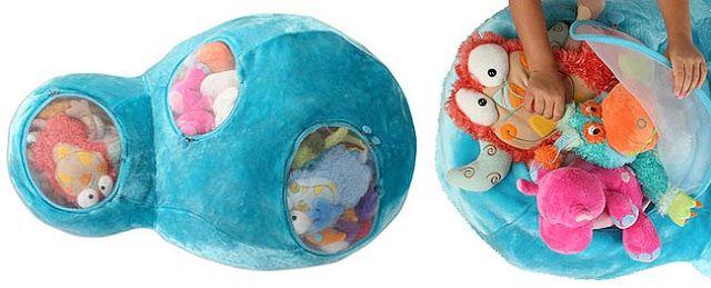 Olha só que boa ideia pra organizar os 500 mil bichinhos de pelúcia da criançada:é o Otto Plush Animal Bag, vendido pelo site Think Geek ...