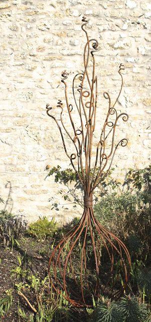 Straysparks - Creative Metalwork for the garden | Yard Art ...