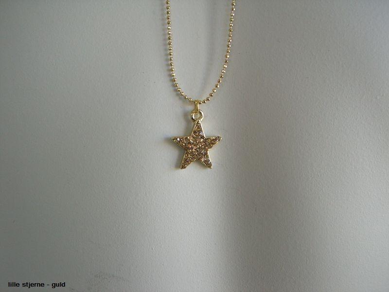 Lang halskæde - Lille stjerne -Stars by P - Guld