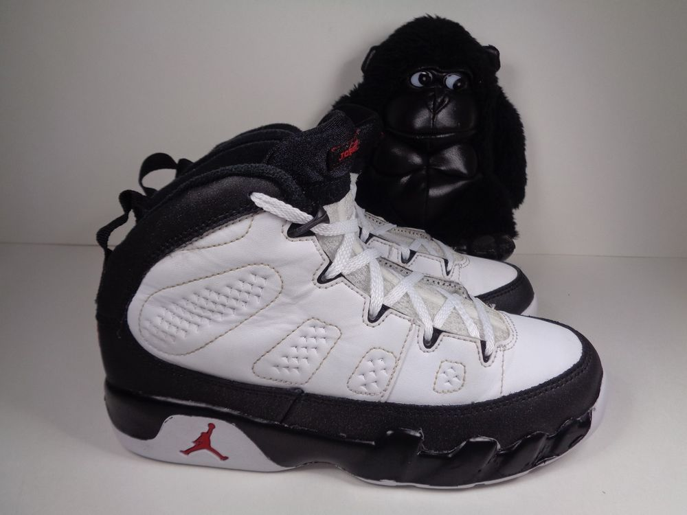 Kids Nike Air Jordan 9 Retro Basketball shoes size 2.5 Youth 401811-112