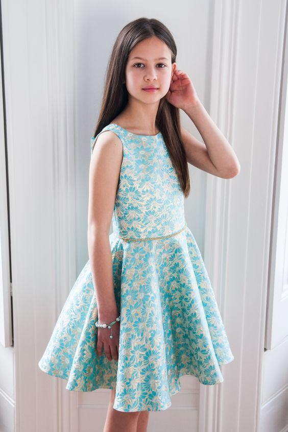 Cocuk Abiye Kiyafet Modelleri Turkuaz Mavi Kisa Kolsuz Klos Etek Cicek Desenli Kumas Kadin Kiyafetleri Parti Elbisesi The Dress