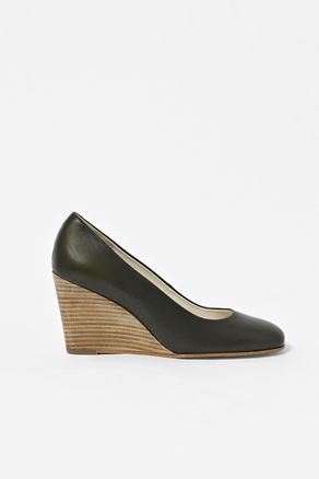 shoes! http://www.cosstores.com/Store/Women/Shoes/Wedge_shoes/46897-243632.1