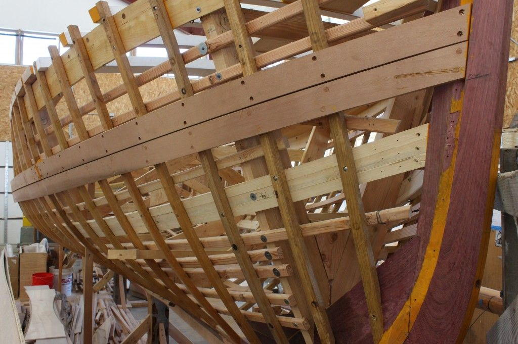 Bow of boat being carvel planked at Northwest School of Wooden Boat ...