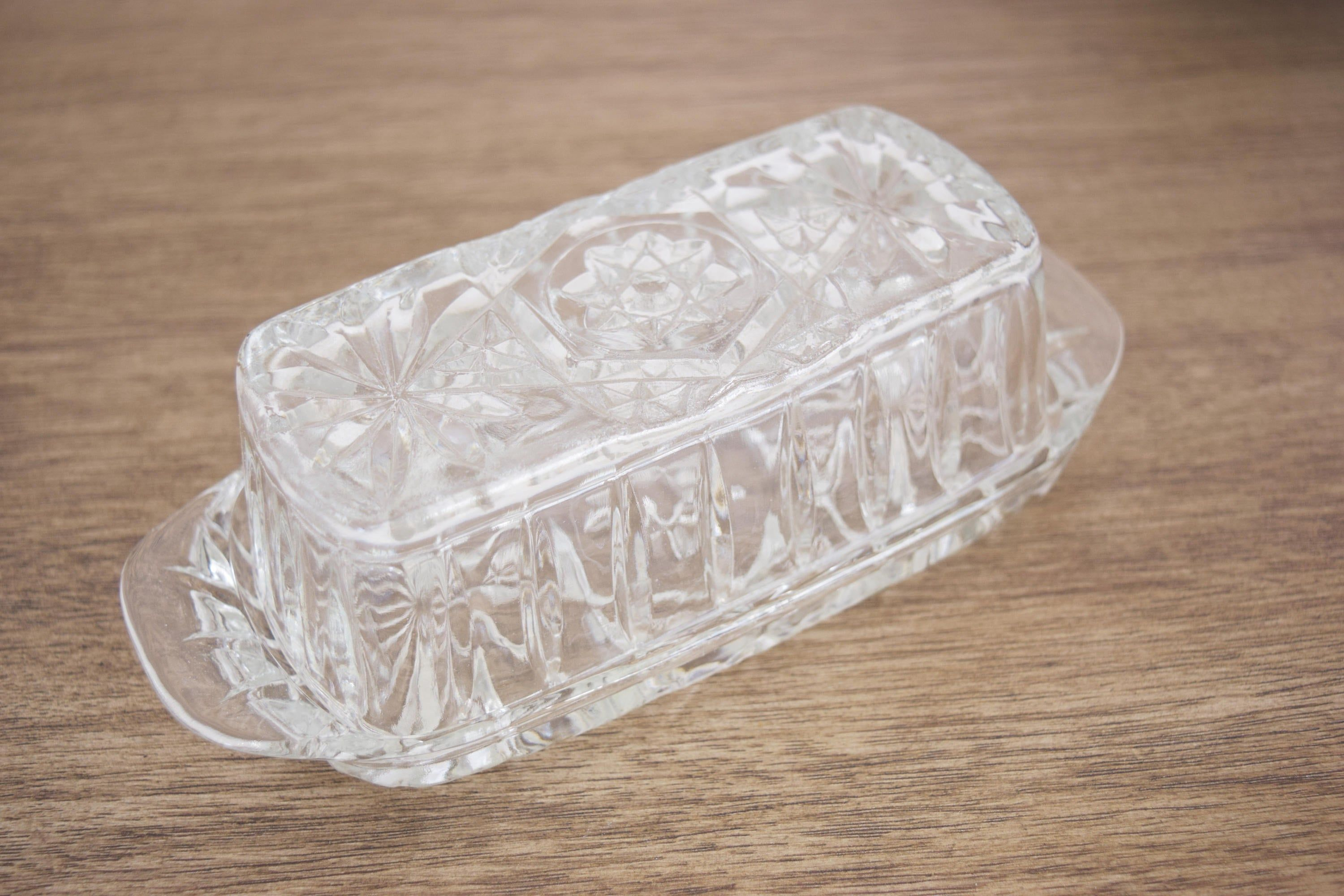 Vintage Clear Glass Butter Dish With Lid Covered Retro Glass Etsy In 2020 Butter Dish Wedding Sweets Toasting Flutes Wedding