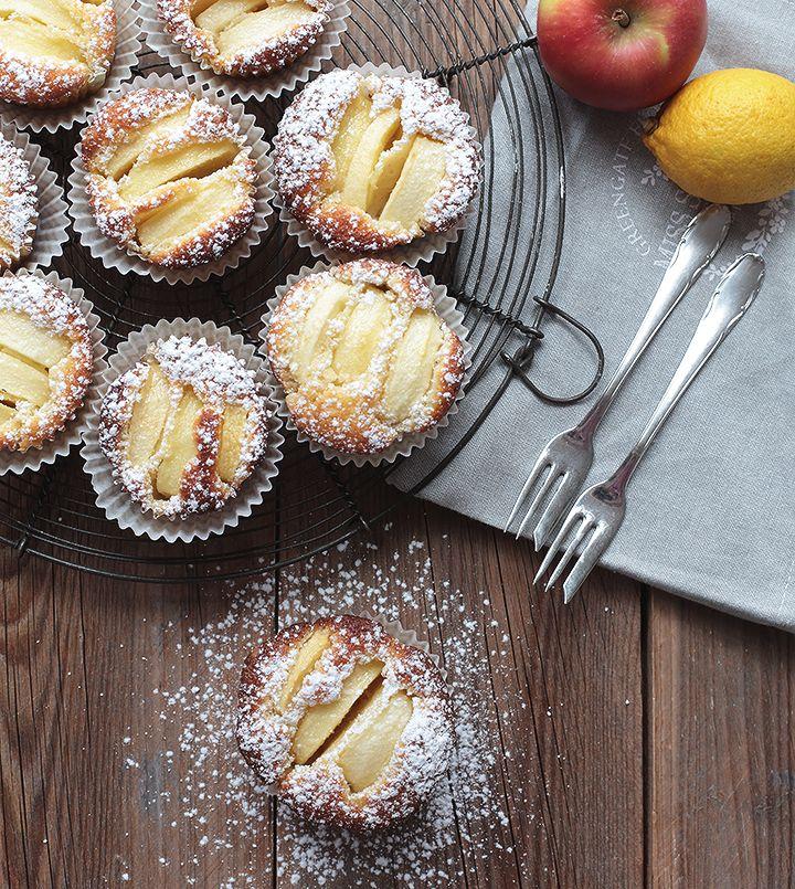 Saftige Apfeltörtchen - schnell & einfach gemacht #caramelapplecheesecake