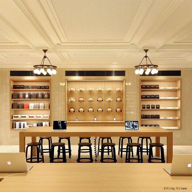 Inside New York's Chic Upper East Side Apple Store
