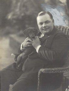 Fatty Arbuckle with his Dachshund | Собака такса, Собаки ...