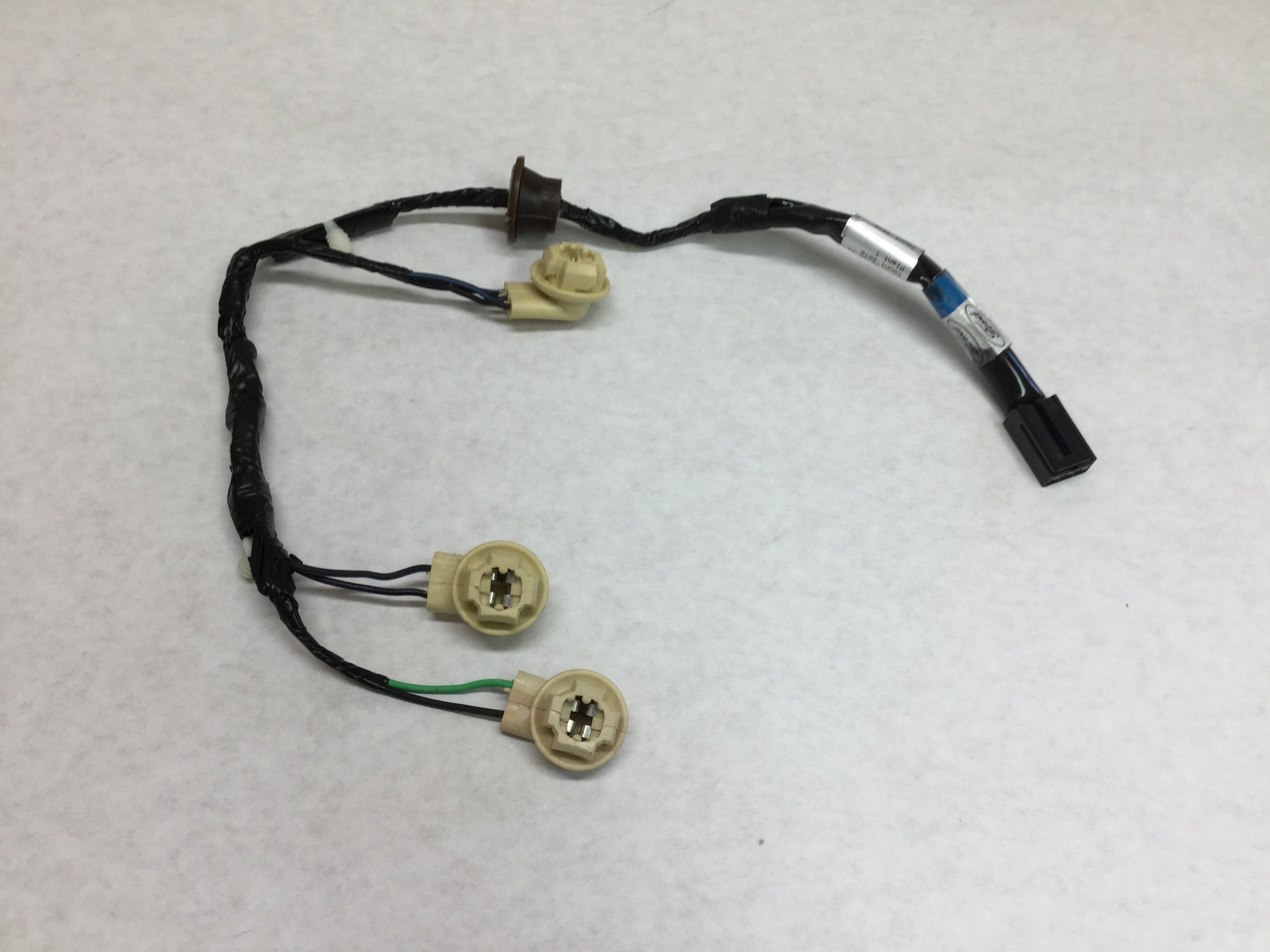 1997 2003 ford f 150 third brake light high mount stop lamp wiring harness new auto truck genuine car parts [ 3264 x 2448 Pixel ]