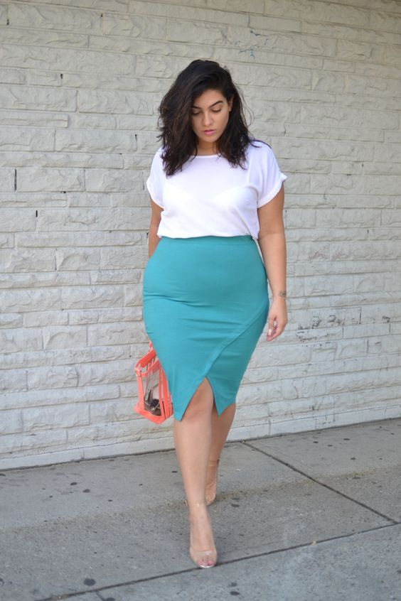 Thick Women In Short Skirts
