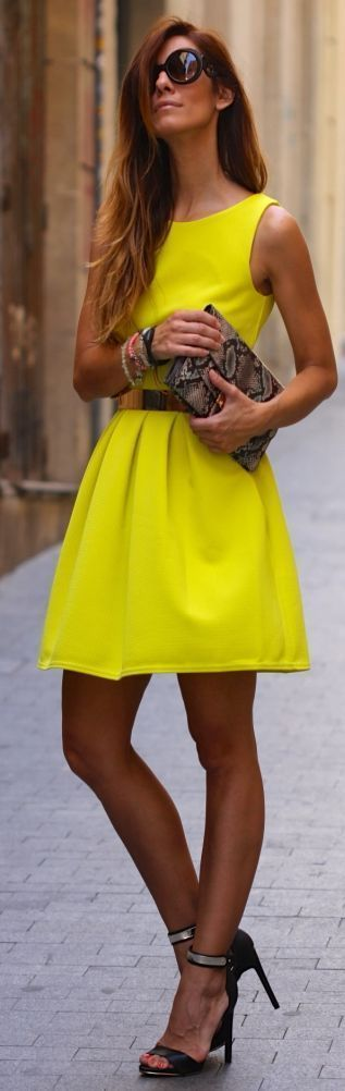 #Yellow #Dress #Fashion #Outfit  Image credits: http://bit.ly/1yMAceH