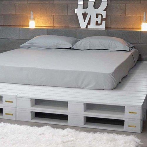 la palette sous toutes ses coutures diy pinterest lit pas cher literie de luxe et. Black Bedroom Furniture Sets. Home Design Ideas