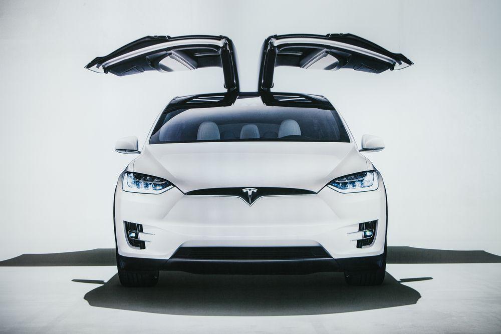 La Tesla Model X obtient la note maximale aux tests de ...