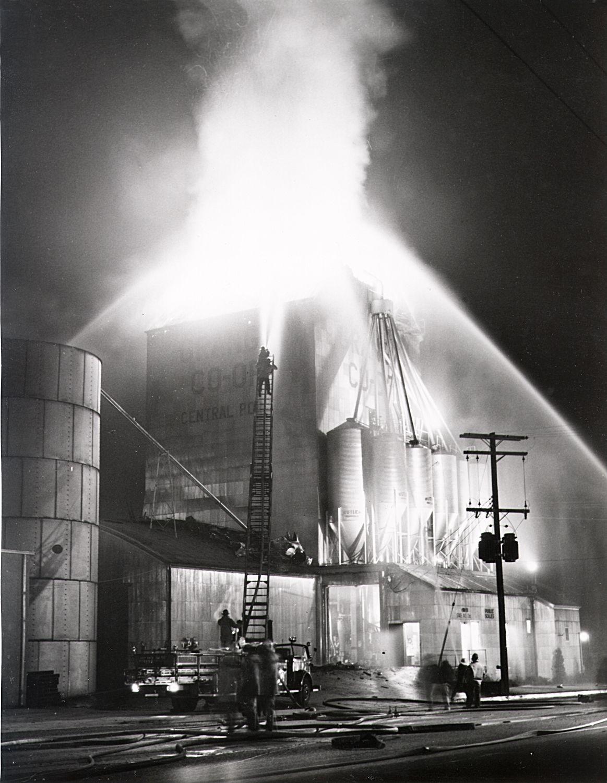 Grange coop grain elevator fire october 12 1961 fire