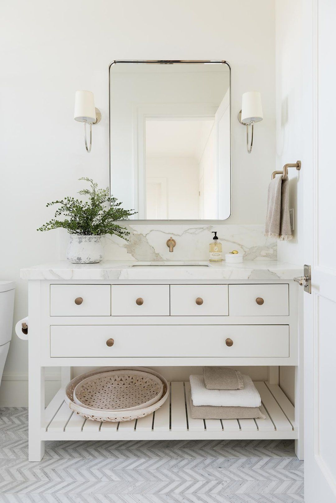 California Traditional Home Tour Bathroom Interior Bathrooms