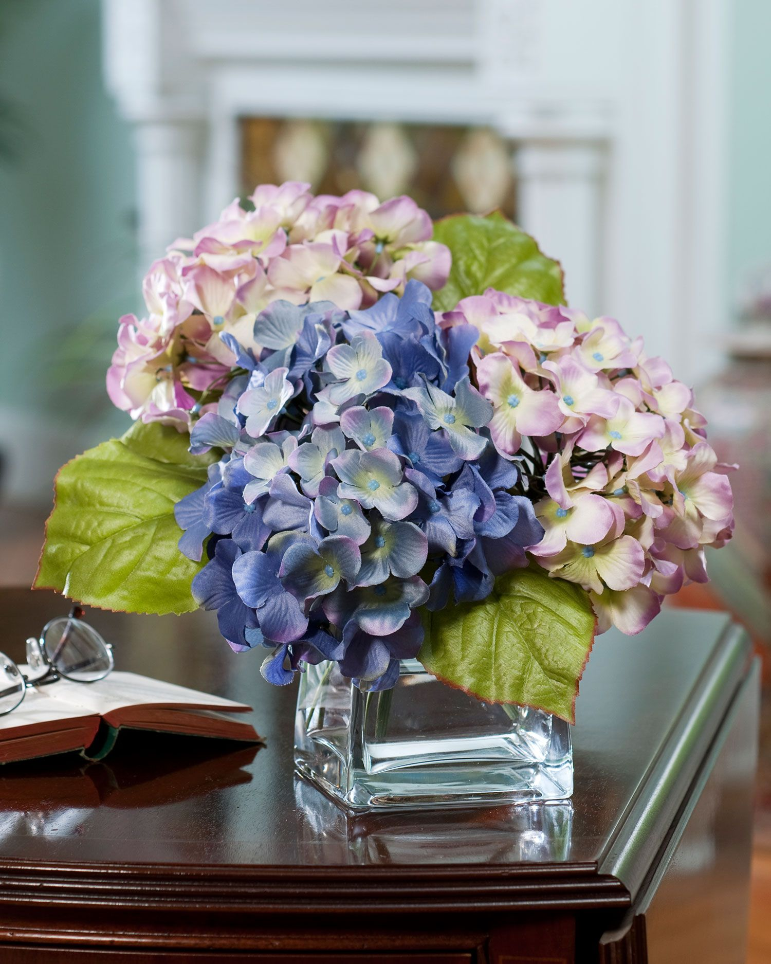 Hydrangea Arrangements: Hydrangea Silk Flower Arrangement