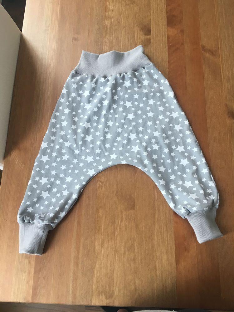 on sale 031ed 5dd8a Selbstgenähte, graue Kinderhose mit weißem Sternenmuster für ...