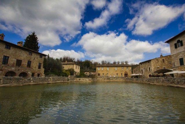 Bagno vignoni toscana u2013 un paese che è una piscina termale a