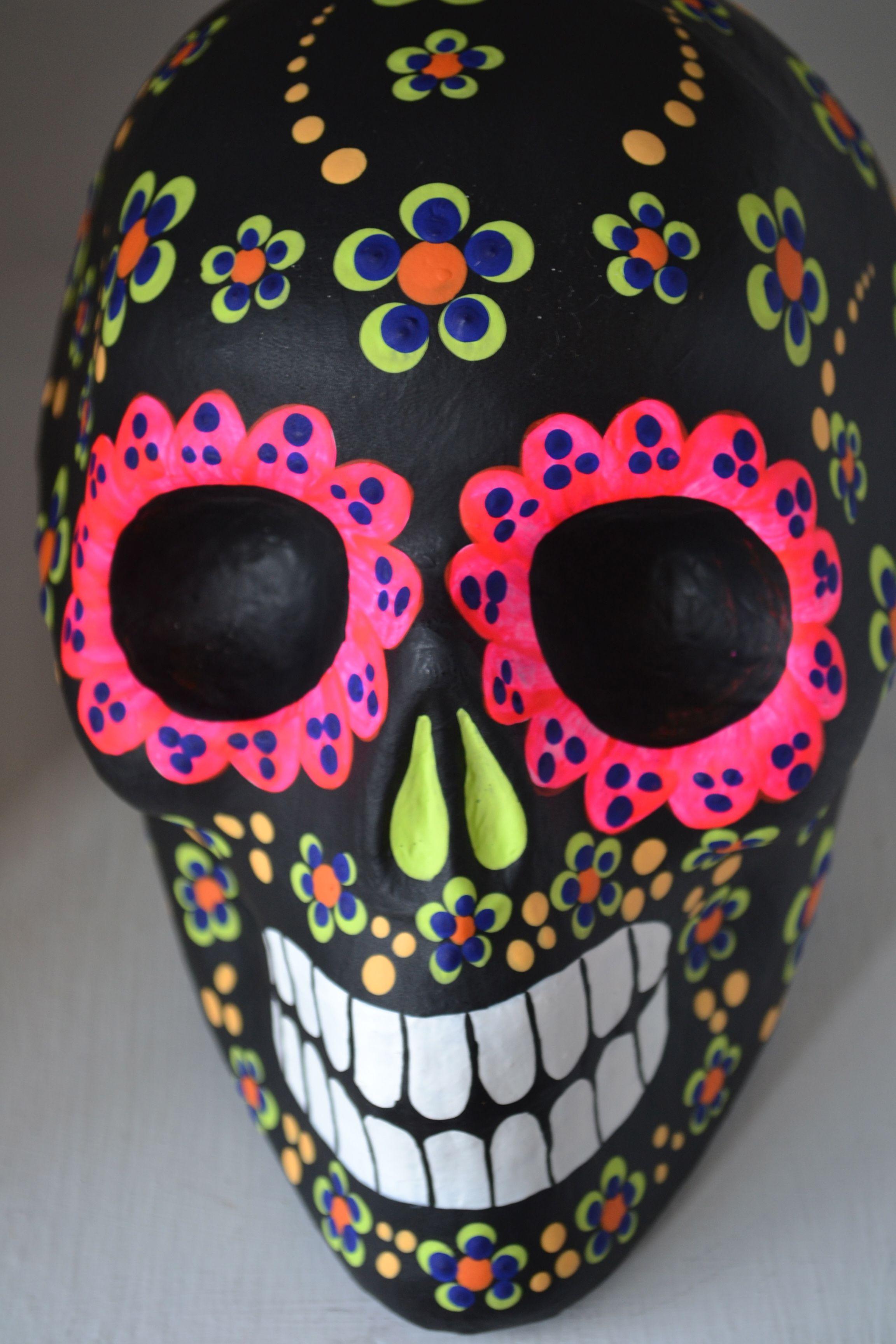 Day of the Dead skull Sugar skull art, Skull, Day of the