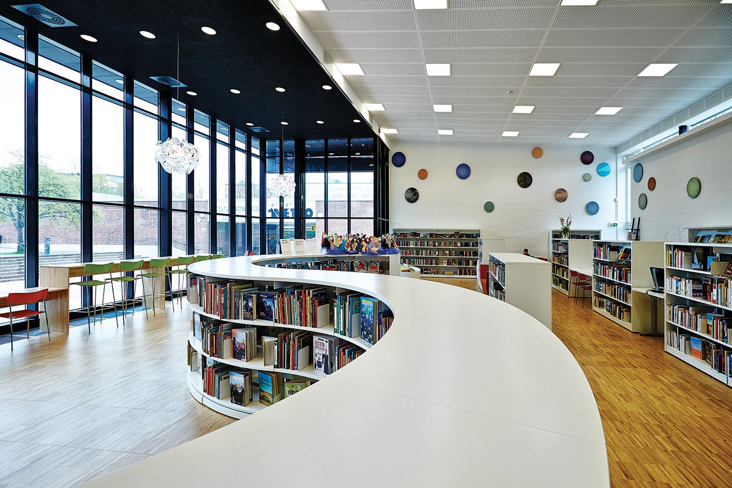 Lammhults Biblioteksdesign We are library people Library spaces Pinterest Lund, Library