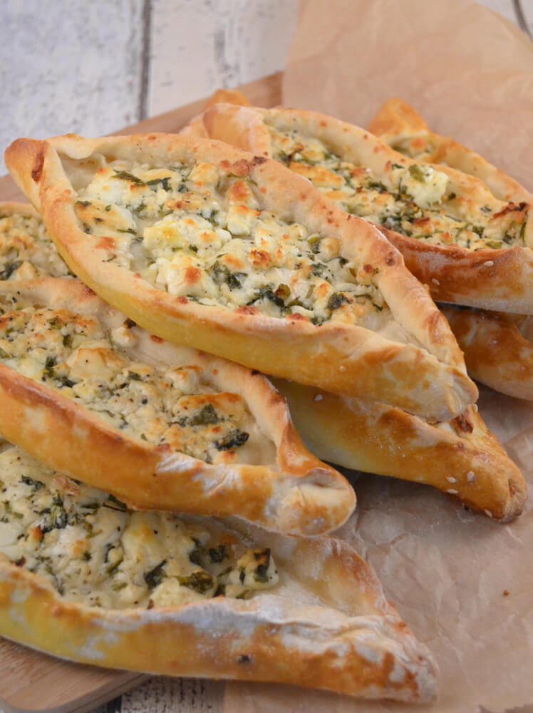 Photo of Turkish pide with feta cheese recipe ›Whispered oven