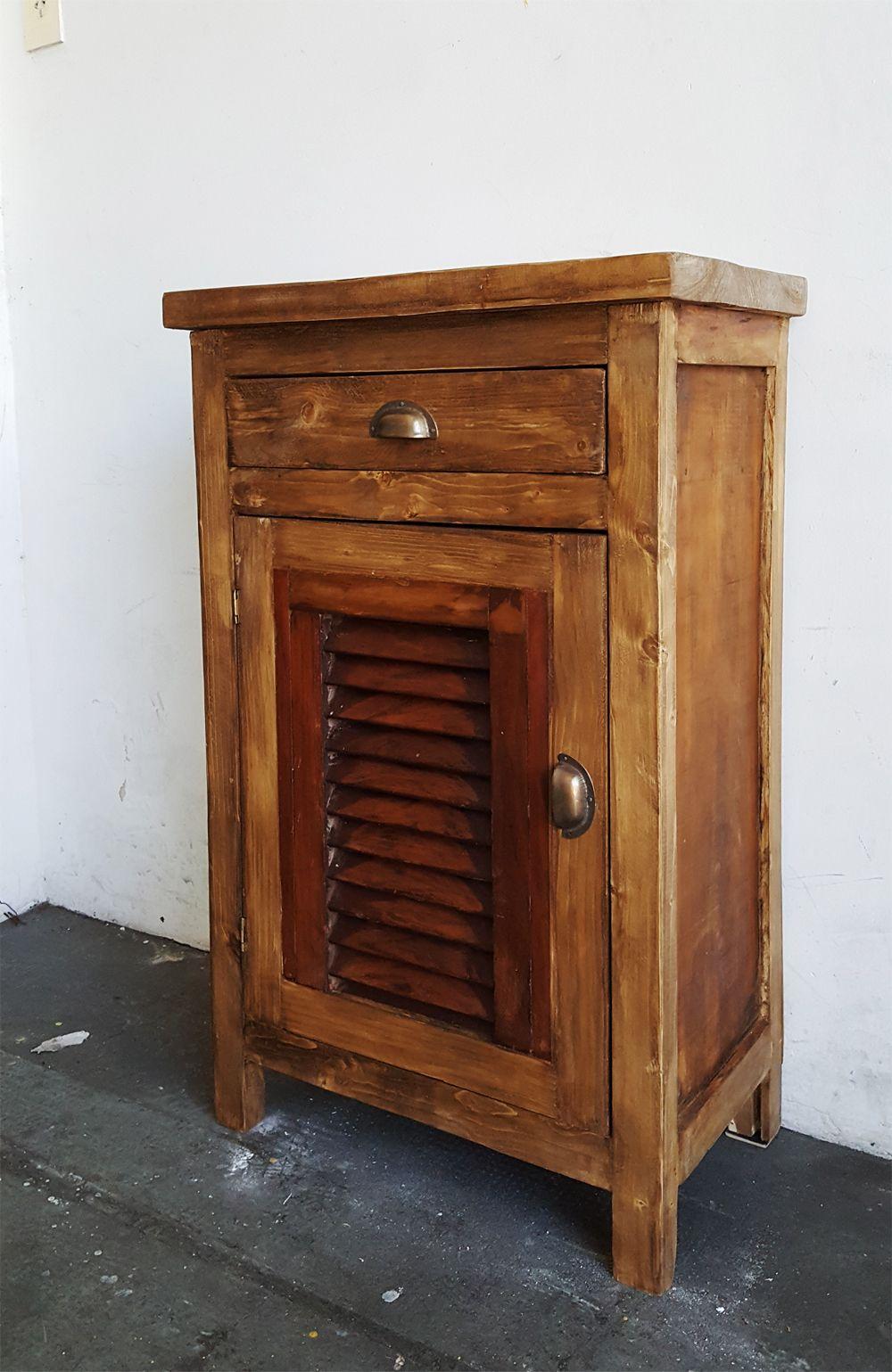 Mesas de luz con puerta de celosias celos as mesa de for Mesas con puertas antiguas