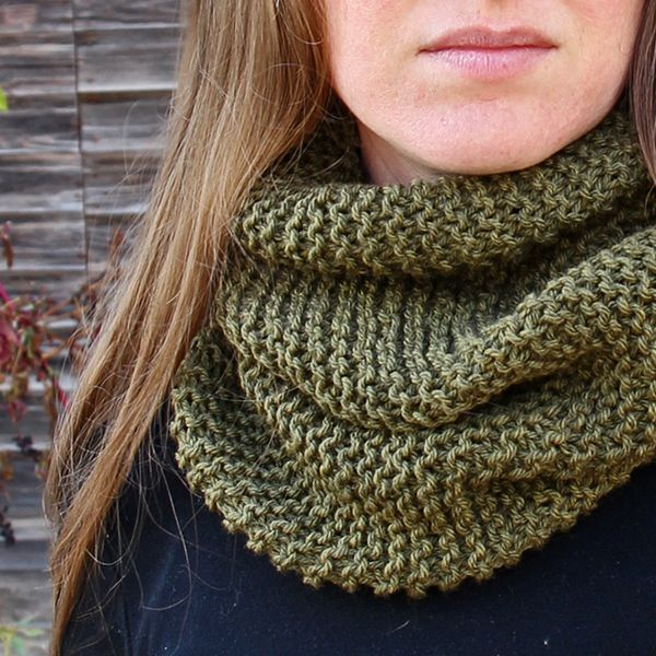 BENEVOLENCE – Women\'s Cowl Knitting Pattern   bufandas   Pinterest ...
